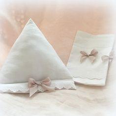 Coussin pour tablette et protège carnet blanc damassé de roses : Carnets, agendas par lolitarose