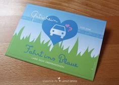 """Gutschein / Postkarte für """"Eine Fahrt ins Blaue"""" Überrasche den Beschenkten mit einem Ausflug ins Blaue. Die Gutschein-Karte ist als Postkarte gestaltetet und bietet auf der Rückseite jede Menge Platz für Nähere Infos oder für die Adresse zum direkten Verschicken der Karte."""