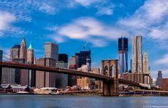 El puente de  Brooklyn de día...