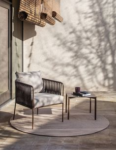 Constructed of withstanding materials, the Expormim Nido hand-woven sofa lends a distinct and functional appeal. Balcony Furniture, Art Deco Furniture, Furniture Design, Outdoor Furniture, Outdoor Decor, Plywood Furniture, Chair Design, Modern Furniture, Outdoor Bar Stools