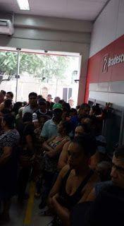 NONATO NOTÍCIAS: CLIENTES SOFREM NA FILA DO BANCO BRADESCO