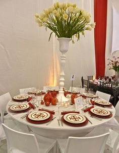 Carmina-Roth-table-for-the-Red-Cross-2012-Red-&-White-Cross-ball