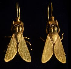Love these to.   They seem to draw me jn... Victorian fly earrings, 1lob8k gold