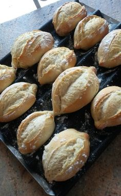 Portuguese bread i Cook in recipe Guy demarle Ground Meat Recipes, Meat Recipes For Dinner, Kids Cooking Recipes, Easy Meat Recipes, Easy Cooking, Portuguese Bread, Portuguese Recipes, Dinner Rolls, Bread Baking