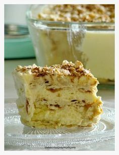 Stella's Kouzinomperdemata: Sweet Radiator like . Greek Sweets, Greek Desserts, Cold Desserts, Summer Desserts, Greek Recipes, Easy Desserts, Greek Cake, Low Calorie Cake, Icebox Cake