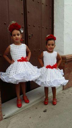 Trajes flamenca Ankara Styles For Kids, Spanish Dancer, Flamenco Dancers, Mom Daughter, Diy Dress, Hijab Fashion, African Fashion, Kids Outfits, Flower Girl Dresses
