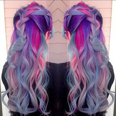 I love cool colors. I always gravitate towards them more. Doesn't matter if it's on my head or someone else lol. ;)