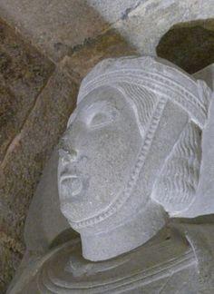 Berenguela de Barcelona (1116 - 1149). Reina consorte de León por su matrimonio con Alfonso VII de León y emperatriz de España, fue hija de Ramón Berenguer III, conde de Barcelona, y de Dulce de Provenza, y hermana de Ramón Berenguer IV, conde de Barcelona. Fue madre de los reyes Fernando II de León y de Sancho III de Castilla, rey de Castilla.