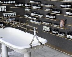 TACKLEBOX architecture - retail, Aesop University