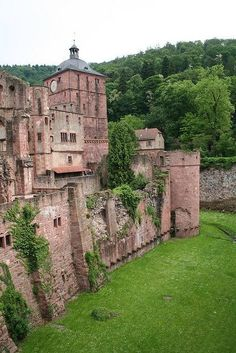 Medieval, Heidelberg Castle, Germany photo via pack