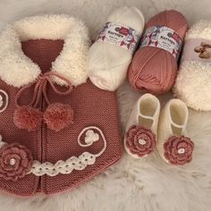 Knitting For Kids, Baby Knitting Patterns, Crochet Girls, Baby Decor, Baby Dress, Baby Shoes, Weaving, Baby Boy, Slippers