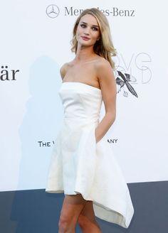 Image from http://fashiongonerogue.com/wp-content/uploads/2013/05/ROSIE-HUNTINGTON-WHITELEY-DIOR3.jpg.