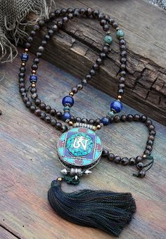 Mala made of 108, 8 mm - 0.315 inch, very beautiful Tibetan style agate gemstones and decorated with African turquoise, lapis lazuli and a handmade Nepalese ghau (gau) box which has a size of about 5 cm - 1.97 inch - look4treasures on Etsy