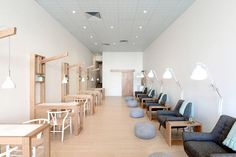 Minimalistické Manikúra salony