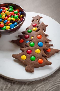 Weihnachten Kekse - Easy to make Gingerbread Christmas Tree Cookies. Photo and recipe by Irvin Lin of Eat the Love. - : Weihnachten Kekse - Easy to make Gingerbread Christmas Tree Cookies. Photo and recipe by Irvin Lin of Eat the Love. Homemade Christmas Cookie Recipes, Christmas Sugar Cookie Recipe, Christmas Cookies Kids, Gingerbread Christmas Tree, Gluten Free Christmas Cookies, Cookie Recipes For Kids, Holiday Cookies, Christmas Treats, Gingerbread Cookies