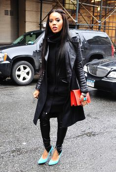 Angela Simmons #streetstyle All black everything with a pop of color in the shoes