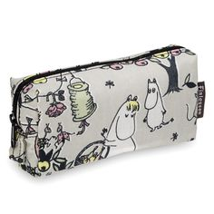 Jubilee Moomin make up pouch by Finlayson. I just adore this fabric! Moomin Shop, Soft Colors, Colours, Moomin Valley, Spark Up, Tove Jansson, Small Cosmetic Bags, Makeup Pouch, Sunglasses Case