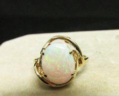 Vintage Estate 14K Yellow Gold Opal Ring
