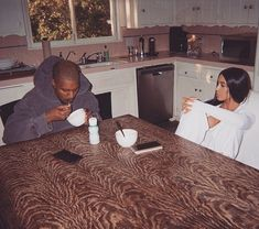 Kim Kardashian and Kanye West eat breakfast during low-key couple time - Kim Kardashian and Kanye West eat breakfast together as they spend some low-key couple time away fr - Robert Kardashian, Kim Kardashian Kanye West, Kardashian Style, Kardashian Jenner, Kylie Jenner, Kardashian Quotes, Kardashian Nails, Kardashian Workout, Fashion Clothes