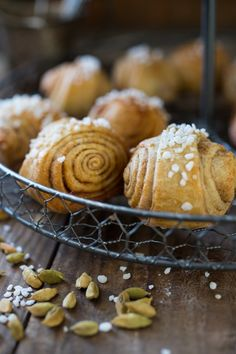 A delicious recipe for buttery an beautiful Finnish Cardamom Rolls. Easy Step by step instructions. Good Food, Yummy Food, Tasty, Finnish Recipes, Chai Recipe, Food Inspiration, Rolls, Bread, Holiday Drinks