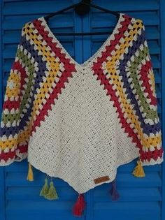 Crochet Shawl - Women Weaves Tutorial African Flower Granny Square Square Step by Step in Spanish Crochet Poncho Patterns, Crochet Motifs, Crochet Cardigan, Crochet Granny, Crochet Shawl, Knitting Patterns Free, Crochet Top, Crochet Stitches, Free Crochet