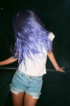 Purple hair with an almost Ombre effect darker up top and lighter at the ends. Rinsing your hair with white vinegar immediately after dyeing can help lock in color by raising the pH level. Dye My Hair, Your Hair, Coloured Hair, Colored Hair Summer, Colored Hair Tips, Grunge Hair, Crazy Hair, Hair Dos, Pretty Hairstyles