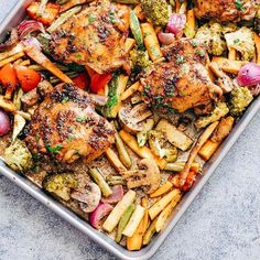 When life gives you minutes, you go all prep! Sooo many of you asked me for this recipe and this sheet pan balsamic #chicken is up on the blog now, and full recipe below. I love these quick prep one pan dishes that bring together all that flavour and goodness in under minutes. And balsamic is one of those flavours that has all those winter vibes, complex, rich, sweet and sour - it totally ticks off all my comfort buttons. Super easy to prep and all of 40 minutes to cook, this is definitely…
