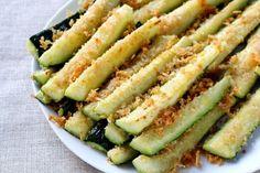 Rezeptanleitung für knusprige Zucchini-Pommes mit Parmesan!