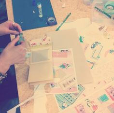 handmade stationery workshop by Ebony of @HelloSandwich