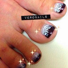 Veronails: Dark Gradient with Roses