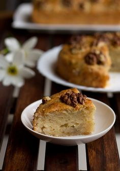Easy eggless banana walnut cake recipe made with oil and no butter. Bananas is a versatile ingredient its used for so many desserts. Banana Walnut Cake, Vegetarian Recipes, Cooking Recipes, Eggless Baking, Tea Cakes, Cake Batter, Cakes And More, Food To Make, Cake Recipes