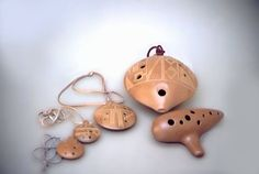 Ocarina, the magical vessel flute! Ocarina Instrument, Instrument Craft, Musical Instruments, Glass Ceramic, Ceramic Jewelry, Clay Pipes, How To Make Clay, Pottery Sculpture, Arte Popular