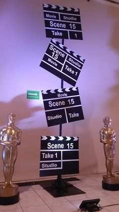 Great for a movie party! Deco Cinema, Cinema Party, Cinema Cinema, Oscar Party, Kino Party, Bollywood Theme Party, Hollywood Night, Hollywood Waves, Hollywood California