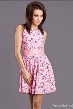 Zwiewna sukienka w #kwiaty... #Sukienki - http://bmsklep.pl/emamoda-sukienka-roz--6803-1
