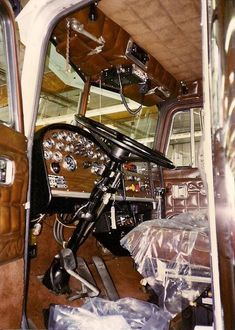 Big Rig Trucks, Semi Trucks, Cool Trucks, Mack Trucks, Peterbilt 359, Peterbilt Trucks, Custom Big Rigs, Custom Trucks, Truck Interior