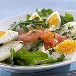 Laxsallad med ägg - Recept