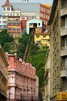 Funicular tracks up hill, through neighborhood in Valparaiso, Chile Plan Incliné, Beautiful World, Beautiful Places, Rest Of The World, Landscape Paintings, Landscapes, South America, Peru, Scenery