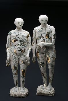 Claire Curneen - 'Singing Boys' Height 55 cm. Incised Porcelain and Gold Lustre