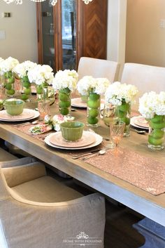 Spring Table Setting for Mother's Day Luncheon - Home with Holliday Table Arrangements, Table Centerpieces, Beautiful Table Settings, Table Centers, Easter Table, Deco Table, Holiday Tables, Decoration Table, Dinner Table