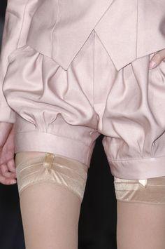 Éric Tibusch Paris couture S/S 2013 Runway Fashion, High Fashion, Fashion Show, Fashion Outfits, Womens Fashion, Fashion Trends, Fashion 2017, Fashion Details, Fashion Design