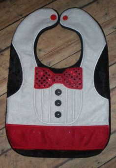 There should be not a problem buying for kid shower describes with our comprehensive range of ornaments and stimulating benefiting variety. Quilt Baby, Baby Sewing Projects, Sewing For Kids, Baby Boy Bibs, Baby Toys, Burp Rags, Burp Cloths, Baby Bibs Patterns, Bib Pattern