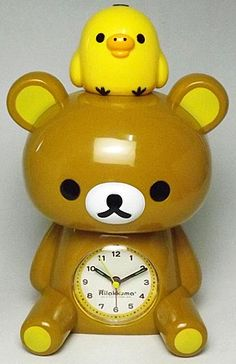 Rilakkuma clock, with Kiiroitori on his head! Super cute! <3