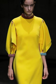 Christopher Kane Londra - Spring Summer 2018 Ready-To-Wear - Details - Shows - Vogue.it