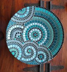 Mosaic Tile Designs, Mosaic Tile Art, Mosaic Pots, Mosaic Patterns, Mosaic Glass, Mosaic Tile Table, Mosaic Artwork, Mosaic Art Projects, Cool Art Projects