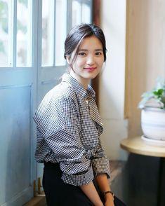 김태리 사진모음, 배경화면 : 네이버 블로그 Korean Celebrities, Celebs, Ruffle Blouse, Actresses, Actors, My Style, Lady, Womens Fashion, Outfits