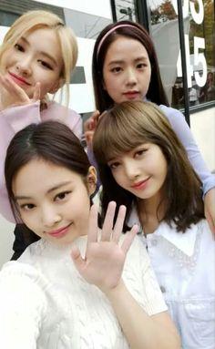 2ne1, Yg Entertainment, Blackpink Members, Blackpink And Bts, Kim Jisoo, Black Pink Kpop, Wattpad, Blackpink Photos, Blackpink Fashion