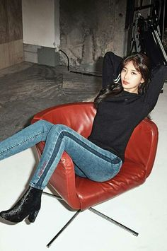 Suzy (수지) is a South Korean actress and solo singer under Management SOOP. Suzy debuted as a member of MissA in March 2010 under JY. Asian Fashion, New Fashion, Korean Girl, Asian Girl, Miss A Suzy, Teacher Wear, Bae Suzy, Korean Actresses, Korean Celebrities