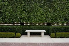 Permanent Link to : Cool and Green Garden Design Ideas by Paul Bangay Formal Gardens, Outdoor Gardens, Front Gardens, Garden Landscape Design, Garden Landscaping, Garden Hedges, Garden Seating, Garden Features, Water Features