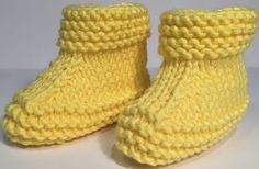 Yellow Colored Kids Booties With Pictorial Illustration - Hobby Sisters Kids Knitting Patterns, Knitting For Kids, Baby Knitting, Crochet Baby Booties, Knit Crochet, Knitted Baby, Baby Converse, Baby Slippers, Baby Boots