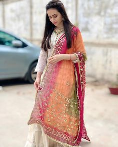 on April 01 2020 1 person standing Simple Pakistani Dresses, Pakistani Bridal Dresses, Pakistani Dress Design, Pakistani Outfits, Indian Outfits, Stylish Dress Designs, Stylish Dresses, Simple Dresses, Fashion Dresses